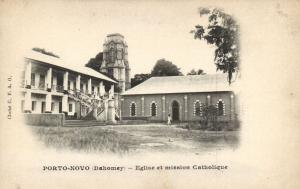 CPA Dahomey Afrique -  Porto-Novo - Eglise et mission Catholique (86823)