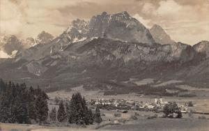 St Johann in Tirol mit wildem Kaiser Panorama Mountain Berg
