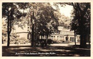 H35/ Muskegon Michigan RPPC Postcard c1940s Senior High School  66