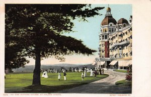 Putting Course at Poland Spring, Maine, Early Postcard, Unused, Detroit  Pub. Co