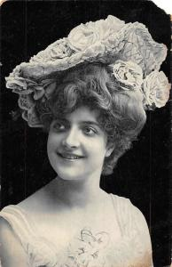 Glamorous Lady Woman Femme Dame, Roses Fancy Floral Hat 1906