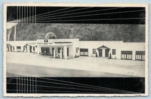 Postcard TN LaFollette Rainbow Tourist Court Standard Esso Gas Service Pumps S17