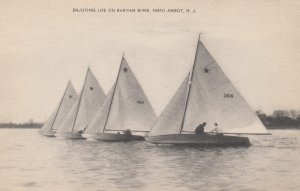 PERTH AMBOY , New Jersey , 1930s ; Sailing , Raritan River