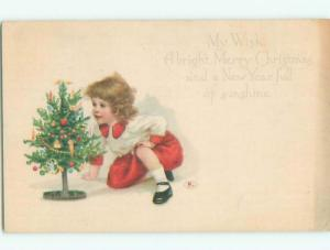 Pre-Linen CUTE GIRL WITH TINY LITTLE CHRISTMAS TREE k1584