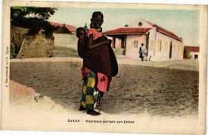 CPA AK Senegal-Dakar-Négresse portant son Enfant (235489)