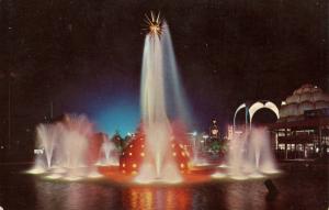 NY - New York World's Fair 1964-65. The Solar Fountain at Night