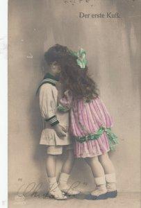 RP: Child Couple , Der Erste Kuss , 1919