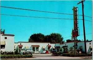 Bettendorf, Iowa Postcard TEJM MOTEL Highway 6 Roadside c1950s Chrome Unused