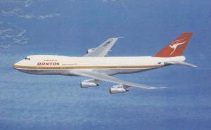 QANTAS Airlines Boeing 747B in Flight