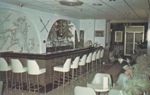 ROUYN , Quebec , Canada , 1970 ; Le Donjon , Hotel Chateau Windsor