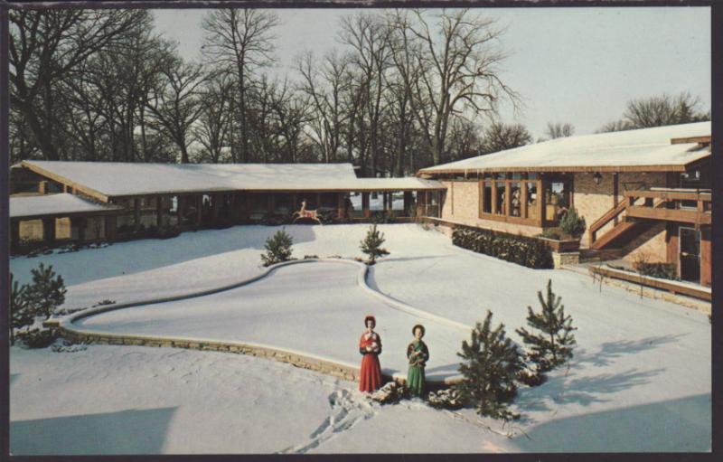 Fountain Mall,Lake Lawn Lodge,Delavan,WI