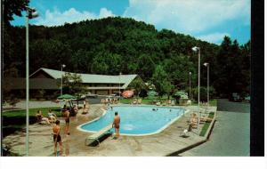 GATLINBURG, Tennessee, 1940-1960's; Twin Island Motel, Swimming Pool
