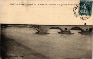 CPA Pont-St-ESPRIT - Le Pont sur le Rhone et la grande arche (582065)