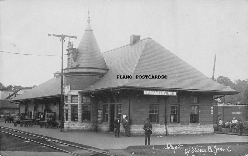 FAYETTEVILLE, ARKANSAS FRISCO TRAIN DEPOT-1909 RPPC REAL PHOTO POSTCARD