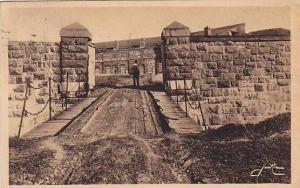 Une post de la Citadelle et son pont sur les fosses, QUEBEC, Canada, PU-1938