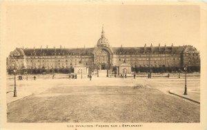 France Les invalides facade sur l'esplanade Postcard