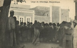PC CPA MOZAMBIQUE, LARGO DA ALFANDEGA, Vintage Postcard (b24878)