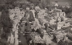 RP: Bourton-on-the-Water , Gloucestershire, England , 30-40s ; The Model Vill...