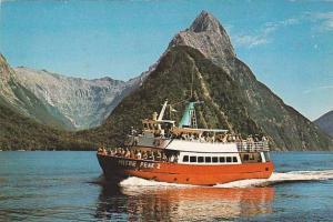 Tour Ship MITRE PEAK 2 , Milford Sound , New Zealand , PU-1981