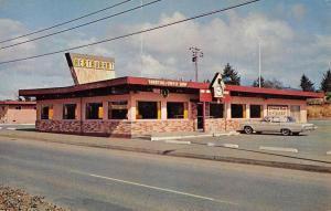 Oceanlake Oregon CooCoo Clock Restaurant Street View Vintage Postcard K57553