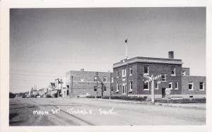 RP : Main Street , TISDALE , Sask. , Canada , 30-40s