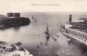 France Marseilles La sortie du Vieux Port