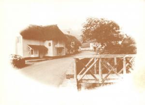 Vintage Style 1982 Postcard Winsford, Somerset E26