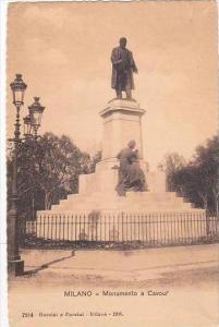 Italy Milano Monumento a Cavouf