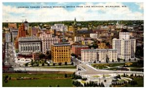 Wisconsin  Milwaukee ,  Looking Toward Lincoln Memorial Bridge from Lake Mich...