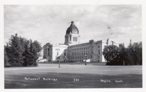 RP: REGINA , Saskatchewan , Canada , 1930-40s ; Parliament Buildings