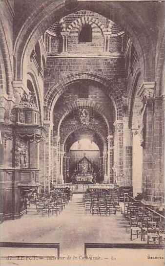 France Le Puy Interieur de la Cathedrale