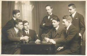 Studentika atelier Helios M Gebauer Brasov photo postcard students playing cards