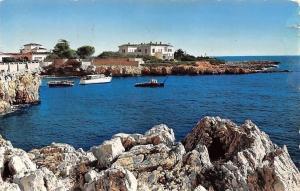 France Le Cap d'Antibes La pointe de l'Illette Bateaux Panorama