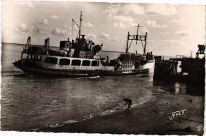 CPA St-BRÉVIN - Mindin - Arrivée du Bateau au Ponton de Debarquement (242346)