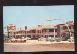 EMMITSBURG MARYLAND OLD CARS CORVAIR MONZA MT MANOR MOTEL POSTCARD