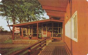 The Chieftain Motel, overlooking Lake Couchiching, Ontario, Canada, 40-60s