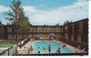 NIAGARA FALLS, Ontario, Canada; Cairn - Croft Motor Hotel, Swimming Pool, PU-...
