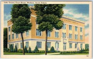 Madison, South Dakota Postcard LAKE COUNTY COURT HOUSE Building Linen c1940s