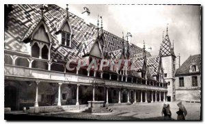 Old Postcard Beaune Cote d'Or Hotel God founded in 1442 The courtyard