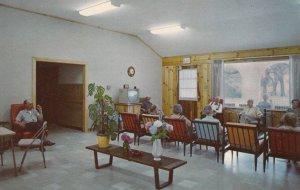 ORANGE PARK, Florida, 1950-60s; Moosehaven, Typical Residents' Living Room