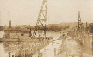 RP: PRAIRIE-DU-SAC , Wisconsin, 1900-10s ; Installing Coffer-Dam