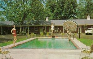 BAMBERG , South Carolina , 1950-60s ; Bamberg Motel , Swimming Pool