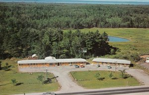NORTH BAY , Ontario , Canada , 1950-60s ; Pine Hill Motel