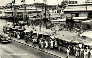 curacao, N.A., WILLEMSTAD, Floating Market, Fishing Boats 1950s La Bonanza RPPC