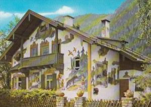Germany Oberammergau Rotkaeppchen Haus mit Freskomalerai