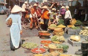 VIETNAM Market Scene SAIGON Street Scene c1960s Vintage Postcard