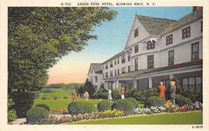 Blowing Rock North Carolina~Green Park Hotel~People in Yard~Flower Beds~1940s Pc