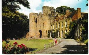 Post Card Kent Tonbridge Castle Salmon Cameracolour 1-64-01-01