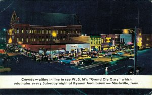 USA Crowds Waiting in line to see WSM Grand Ole Opry Nashville Postcard 07.32