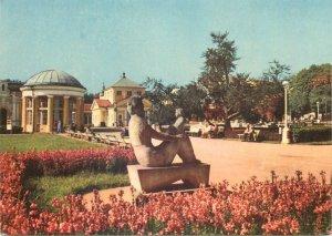 Postcard Czech republic frantiskovy lazne statue of maternity by wielgus art